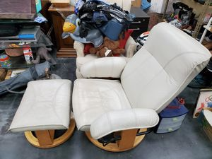 Reclining swivel chair with ottoman for Sale in Cypress, CA