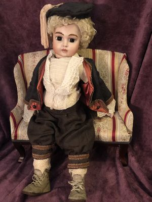 ANTIQUE BABY BRU DOT REPRODUCTION DOLL IN PERIOD ENSEMBLE *Pristine* for Sale in Lancaster, CA