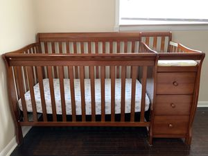 Baby crib with drawers for Sale in Dearborn Heights, MI