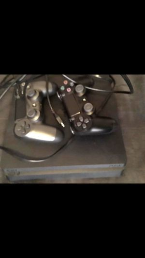 Ps4 500 gb and two controllers! for Sale in Fitzgerald, GA