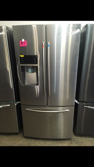 """NEW!!! SAMSUNG 33"""" APARTMENT SIZE BOTTOM FREEZER FRIDGE!!! for Sale in Los Angeles, CA"""