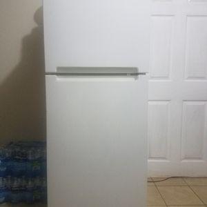 Vendo Refrigeradora 5 Pies En Buen Estado for Sale in Laurel, MD
