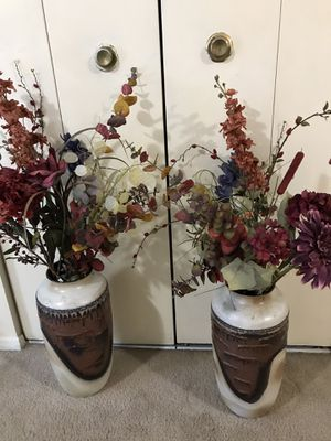 "Still available 2 rare collectible W German 20"" vase free flower pick up Gaithersburgmd20877 for Sale in Gaithersburg, MD"