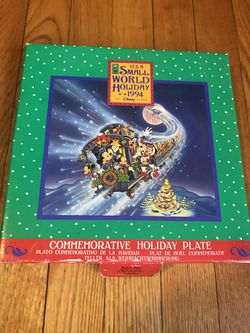 Vintage It's A Small World Holiday 1994 Commemorative Exclusive Christmas Holiday Plate for Sale in Rock Cave,  WV