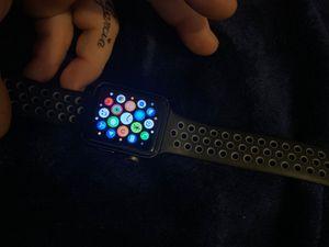 Apple watch NIKE series 2 42mm for Sale in Phoenix, AZ