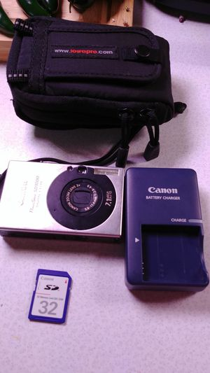 Canon powershot sd1000 camera for Sale in Piney Flats, TN