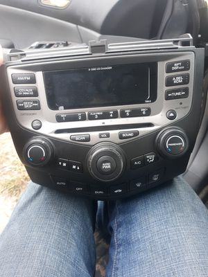 03-06 OEM honda accord radio with 6 disc changer / ac controls built in for Sale in Biloxi, MS
