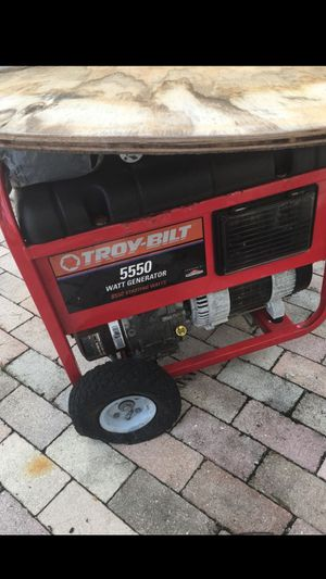 Generator for parts. Or fixed. for Sale in Palm Springs, FL