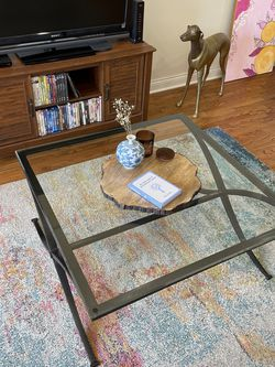 Large And Small Glass Tables for Sale in Chicago,  IL