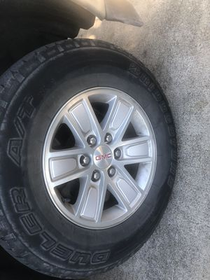 GMC Sierra rims 17 for Sale in Arlington, TX