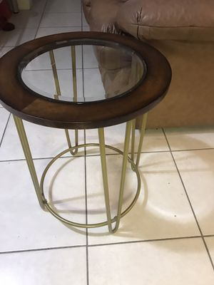2 end table 30 firme price for Sale in Miami Beach, FL