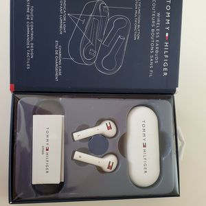 Tommy Hilfiger Wireless Earbuds, 4.2 Bluetooth, Noise Isolating for Sale in Glendale, AZ