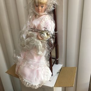 Avon Collectible Doll for Sale in Beaverton, OR