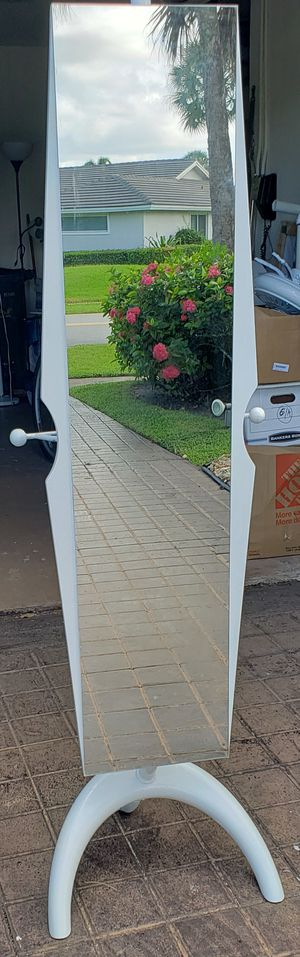 6 ft mirror white stand up for Sale in Delray Beach, FL