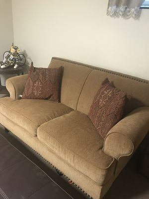 Nice love seat.. for Sale in Chevy Chase Village, MD