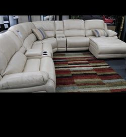 Leather Sectional Couch for Sale in Brentwood,  MD