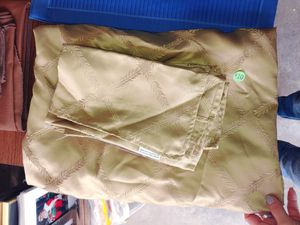Greenish golden table cloth set for Sale in Pacifica, CA