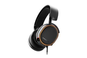 Steelseries Arctis 5 for Sale in Chicago, IL