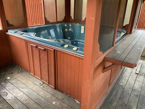 Hot tub and pergola for sale. Only $400 for everything! for Sale in Plano, TX
