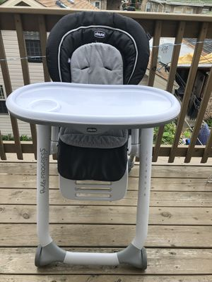 Chicco chair -table for Sale in Harwood Heights, IL