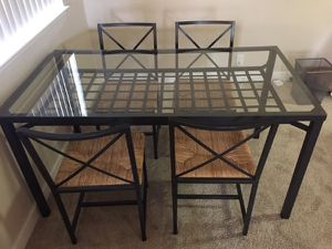 Kitchen table 4 chairs for Sale in Pasadena, CA