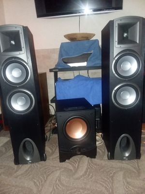 $200 FIRM Klipsch f3's tower speakers and klipsch 10 inch subwoofer for Sale in Pompano Beach, FL