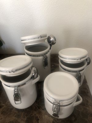 Food storage air-tight containers for Sale in Corona, CA