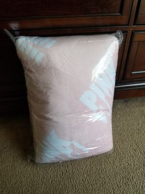 Pink Sherpa Blanket for Sale in Antioch, CA