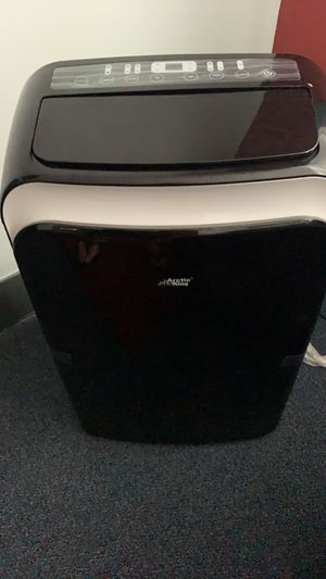 ARCTIC KING PORTABLE AC HEATER DEHUMIDIFIER SMARTPHONE COMPATIBLE WIFI for Sale in Lowell, MA