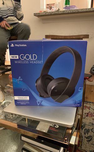 NEW Play Station Gold Wireless Headset for Sale in New York, NY