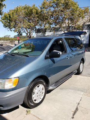 2002 Toyota sienna for Sale in Redwood City, CA