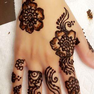 Henna by Zeinab for Sale in Carol Stream, IL