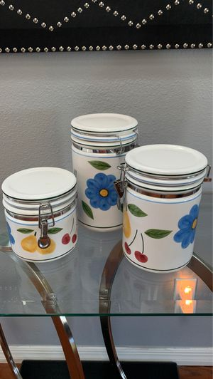 Flower kitchen containers perfect conditions for Sale in Orlando, FL