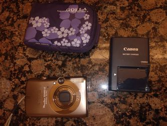 Canon Powershot and charger for Sale in Austin,  TX