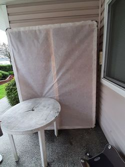 FREE Queen size box spring mattress for Sale in Renton,  WA