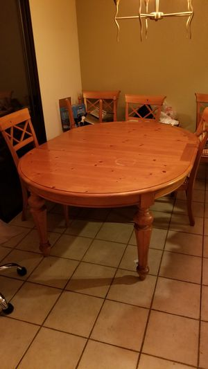 Dining table and 7 chairs $150 for Sale in Hayward, CA