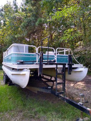 Crestliner Pontoon Boat 24ft for Sale in BROOKSIDE VL, TX