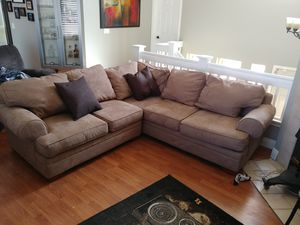 Free Sectional couch for Sale in Elk Grove, CA
