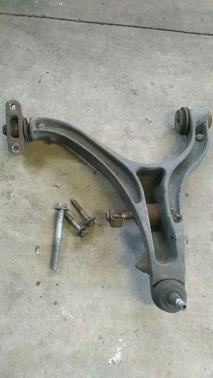 05/10 Jeep Grand Cherokee Driver side lower control arm for Sale in Bloomington, CA