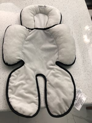 Summer Infant car seat insert for Sale in West Palm Beach, FL