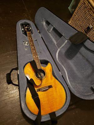 Acoustic guitar case for Sale in Miami, FL