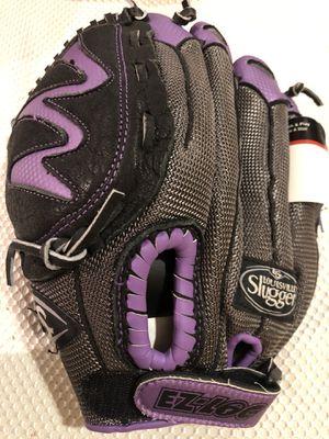 """Brand New Diva 11"""" Louisville Slugger Baseball Glove for Sale in Dublin, CA"""