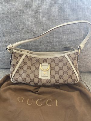 Gucci Bag Mid-Size for Sale in Boston, MA