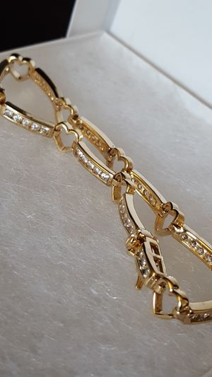 """Gorgeous bracelet 925 Sterling Silver, cover in 10k gold, CZ Diamonds all around. 10.09grs size 8""""inches long. Precious Vintage Bracelet. for Sale in Fort Mitchell, KY"""