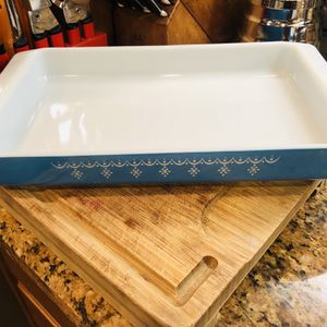 Pyrex Snowflake Garland Blue Lasagna Casserole Baking Dish 933 Vintage for Sale in Rancho Cucamonga, CA