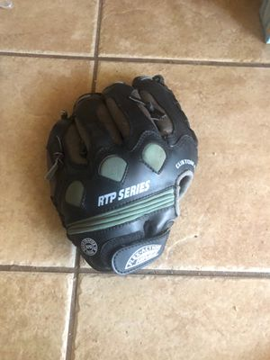 Franklin youth baseball glove for Sale in Los Angeles, CA