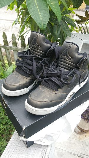 Jordan 5s metallic camo size 7 for Sale in Orlando, FL