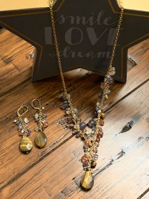 Avon necklace & pieces earring set for Sale in Wauwatosa, WI