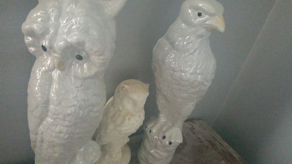 Bird statue figurines