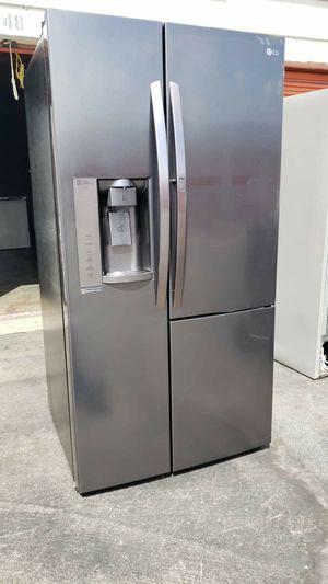 Refrigerador LG with Showcase door for Sale in Bell Gardens, CA